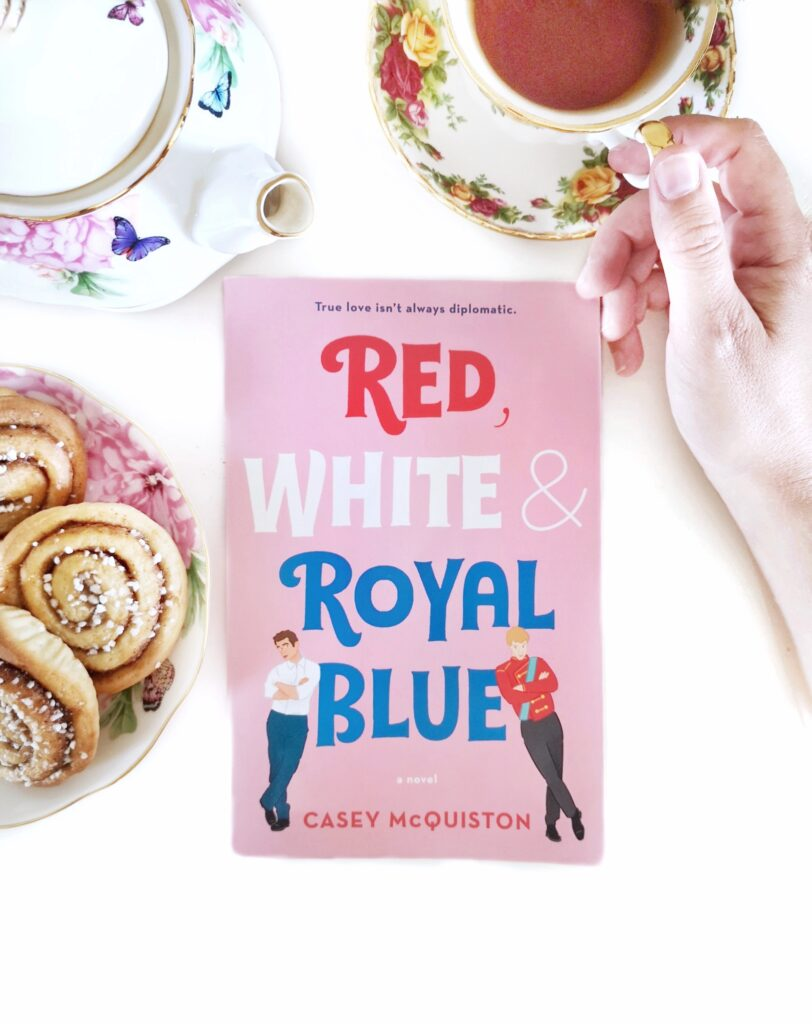 Bokomslag - Red, White & Royal Blue